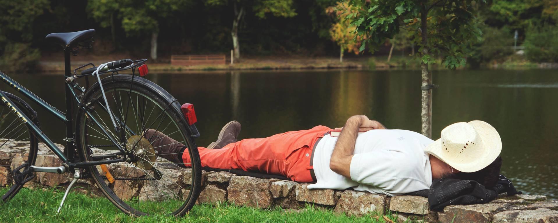 Sieste au Pôle de Loisirs du Lac © PUK